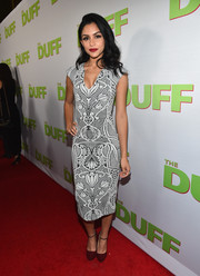 Bianca Santos looked svelte and sophisticated in a body-con print dress during the fan screening of 'The Duff.'