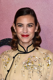Alexa Chung went the vintage route with this wavy 'do at the Fashion Awards 2016.