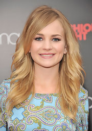 Britt Robertson looked divine with this long feathery hairstyle during Fashion's Night Out.