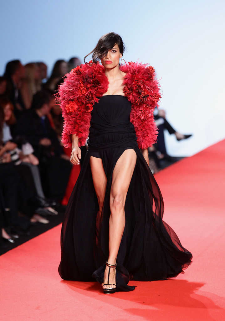 Rosario Dawson Shows Off Her Fantastic Legs On The Fashion For Relief Runway Celebrity Clothes