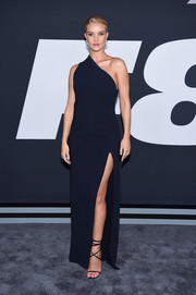 Rosie Huntington-Whiteley opted for a simple yet sophisticated high-slit, one-shoulder column dress by Brandon Maxwell when she attended the premiere of 'The Fate of the Furious.'