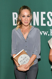 Sarah Jessica Parker stayed casual in a gray button-down while attending a Barnes & Nobel event.