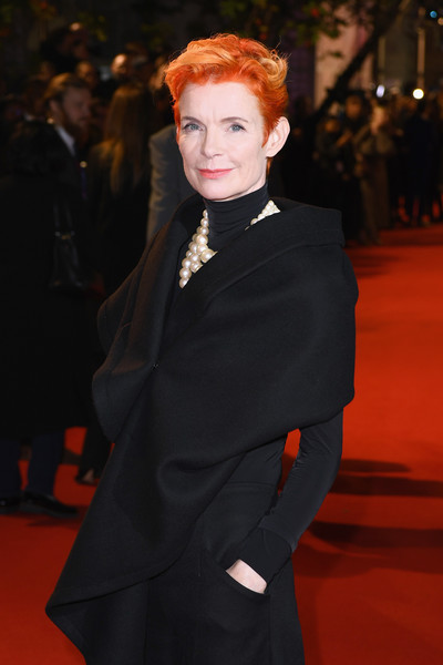 More Pics of Sandy Powell Messy Cut (4 of 4) - Sandy Powell Lookbook - StyleBistro [the favourite uk premiere,the favourite,clothing,red carpet,carpet,fashion,hairstyle,premiere,suit,formal wear,flooring,lip,sandy powell,american express gala,uk,london,england,bfi london film festival,premiere]