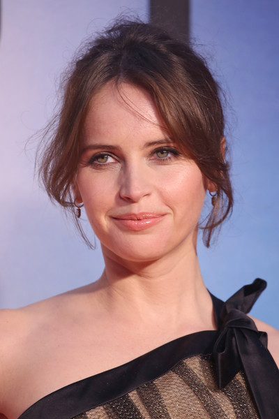 Felicity Jones Messy Updo [the aeronauts uk premiere,hair,face,hairstyle,eyebrow,beauty,chin,shoulder,lip,brown hair,long hair,felicity jones,london,england,odeon luxe leicester square,bfi london film festival]