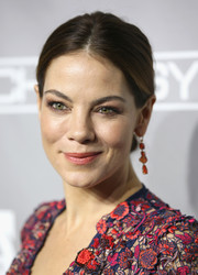 Michelle Monaghan opted for a simple chignon when she attended the Baby2Baby Gala.