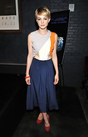 Carey Mulligan kept on trend at a Comic-Con party in brick suede platform pumps teamed with a colorblock cutout dress. The edgy look was a departure for the typically demure star.