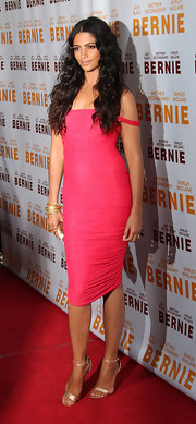 Camila Alves paired her slinky pink dress with strappy gold sandals at the premiere of 'Bernie.'