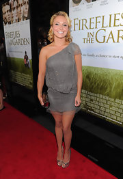 Hayden carried this metallic clutch with her gray dress at the 'Fireflies in the Garden' premiere.