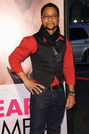 Cuba Gooding Jr. shows how it's done in this dapper vest and scarf at the premiere of 'The Five Year Engagement.'