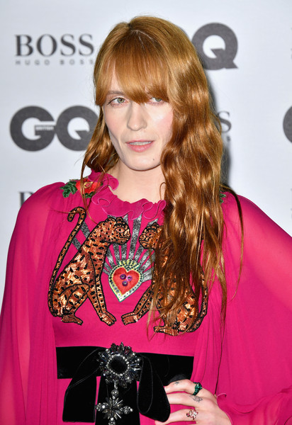 Florence Welch Long Wavy Cut with Bangs [hair,hairstyle,pink,blond,fashion,magenta,bangs,long hair,fashion design,outerwear,gq men of the year awards,florence welch,gq men of the year awards,england,london,tate modern,red carpet arrivals]