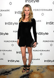 Rebecca Romijn was on trend with ikat-printed sandals.