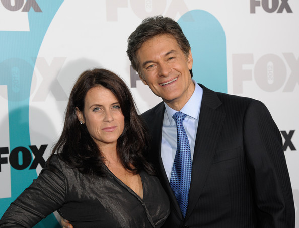 Lisa Oz looked beautiful with her long wavy hairstyle at the Fox 2012 Programming Presentation Postshow Party at the Wollman Rink in Central Park in New York City.