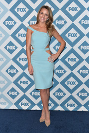 Shantel VanSanten was a head turner at the Fox All-Star party in a baby blue John Hayles dress with waist cutouts and an asymmetrical neckline.