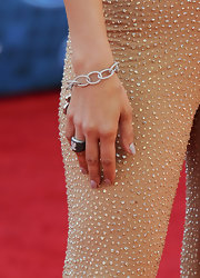 Jennifer Lopez paired her sparkling jumpsuit with a black diamond cocktail ring for the 'American Idol' finale.