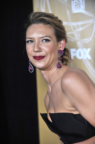 More Pics of Anna Torv Dangle Decorative Earrings (1 of 4) - Anna Torv Lookbook - StyleBistro