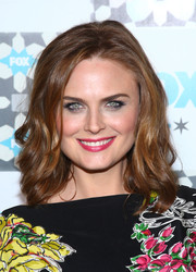 Emily Deschanel topped off her look with sexy-sweet waves when she attended the Fox Summer TCA All-Star Party.