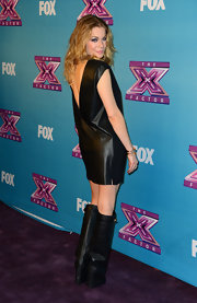 LeAnn Rimes was decked out in leather from head to toe for the 'X Factor' season finale.