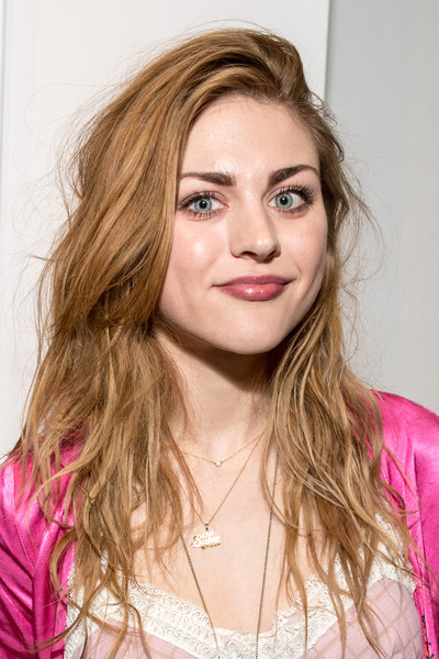 Frances Bean Cobain Long Wavy Cut
