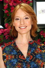 Alicia Witt visited the GBK Productions Luxury Lounge wearing a casual short 'do.