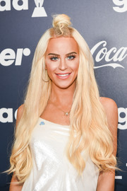 Gigi Gorgeous got dolled up with this knotted half-up hairstyle for the GLAAD Rising Stars luncheon.