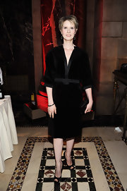 Cynthia Nixon kept her evening look mature and sophisticated with this sleeved, velvet LBD.
