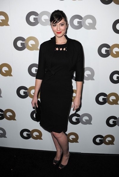 Mary Elizabeth donned glimmering black peep toe pumps with a modest matching cocktail dress.