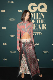 Emily Ratajkowski flaunted her super-toned abs in a cropped turtleneck by Paco Rabanne at the GQ Australia Men of the Year Awards.