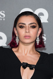 Charli XCX wore a short ombre hairstyle at the 2019 GQ Men of the Year Awards.