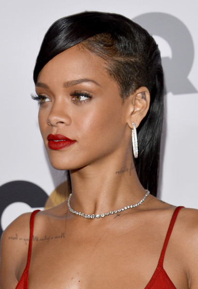 More Pics of Rihanna Side Sweep (1 of 42) - Hair Lookbook - StyleBistro