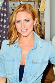 Brittany Snow wore her hair down in lovely waves during the Guess Hotel party.