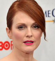 Julianne Moore swept on a bright fuchsia lipstick for the premiere of 'Game Change.'