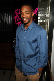 This blue button-down had just the perfect touch of sheen, making Anthony Mackie look sleek and edgy.