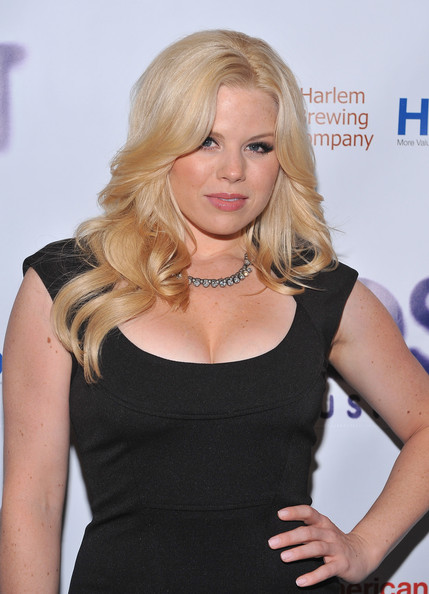 More Pics of Megan Hilty Long Wavy Cut (5 of 13) - Megan Hilty Lookbook - StyleBistro