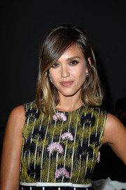Jessica Alba wore a cute, subtly wavy lob at the Giambattista Valli Couture show.
