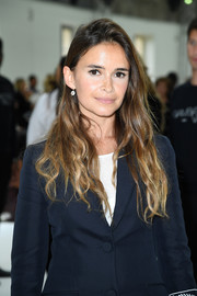 Miroslava Duma wore her long ombre hair loose in a messy-chic style during the Giambattista Valli Couture show.