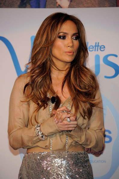 Jennifer lopez in gillette venus announces jennifer lopez as first