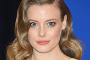 Gillian Jacobs Medium Wavy Cut
