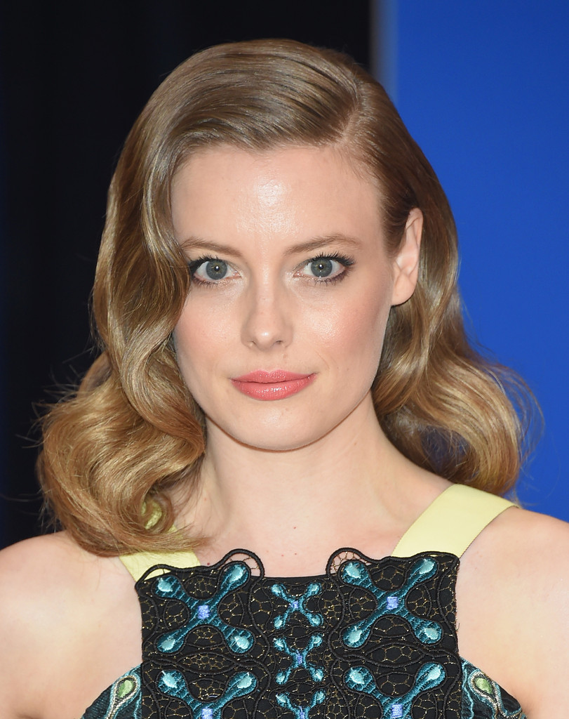 Gillian Jacobs Medium Wavy Cut Gillian Jacobs Hair Looks