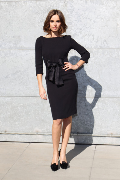 Kasia Smutniak complemented her LBD with bowed black pumps.
