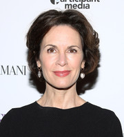 Elizabeth Vargas sported a subtly wavy, short 'do at the premiere of 'A Most Violent Year.'