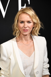 Naomi Watts looked sweet with her wavy bob at the Armani Prive fashion show.