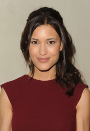 Julia Jones attended the 'Vanity Fair' dinner party wearing minimal makeup that included a sweep of terra cotta eye shadow and a hint of gloss for a little color and shine.