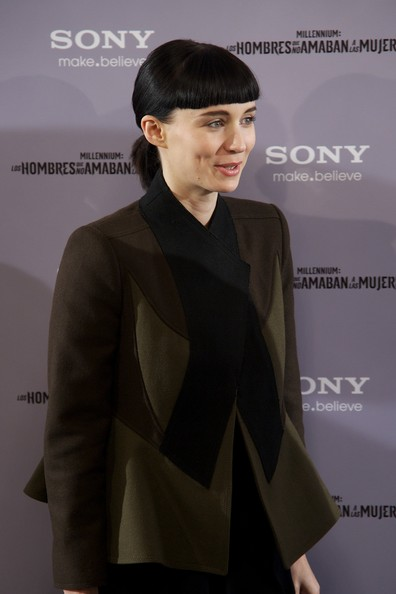 More Pics of Rooney Mara Ponytail (1 of 28) - Rooney Mara Lookbook - StyleBistro [hair,clothing,hairstyle,fashion,beauty,skin,formal wear,suit,forehead,white-collar worker,actress rooney mara,the girl with the dragon tatoo,madrid photocall,los hombres que no amaban a las mujeres photocall at villamagna hotel on january 4,madrid,spain]