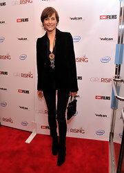 Carey Lowell kept her red carpet laid back and cool with a black velvet blazer.