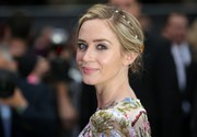 Emily Blunt looked romantic wearing this loose chignon, complete with a pearl headband, at the world premiere of 'The Girl on the Train.'