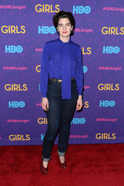 Gaby Hoffmann finished off her outfit in casual style with a pair of high-waisted jeans.