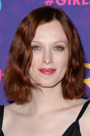 Karen Elson's subtly wavy 'do at the 'Girls' season 3 premiere had a vintage-chic feel.