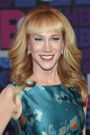 Kathy Griffin wore a feathered flip with her signature blunt bangs during the 'Girls' season 4 premiere.