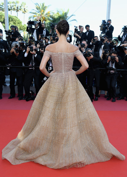 More Pics of Sara Sampaio Twisted Bun (1 of 21) - Updos Lookbook - StyleBistro [girls of the sun,red carpet arrivals - the 71st annual cannes film festival,gown,fashion model,dress,red carpet,carpet,clothing,flooring,haute couture,shoulder,fashion,may 12,sara sampaio,screening,palais des festivals,cannes,france,cannes film festival]