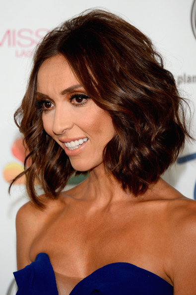 Giuliana Rancic Short Wavy Cut